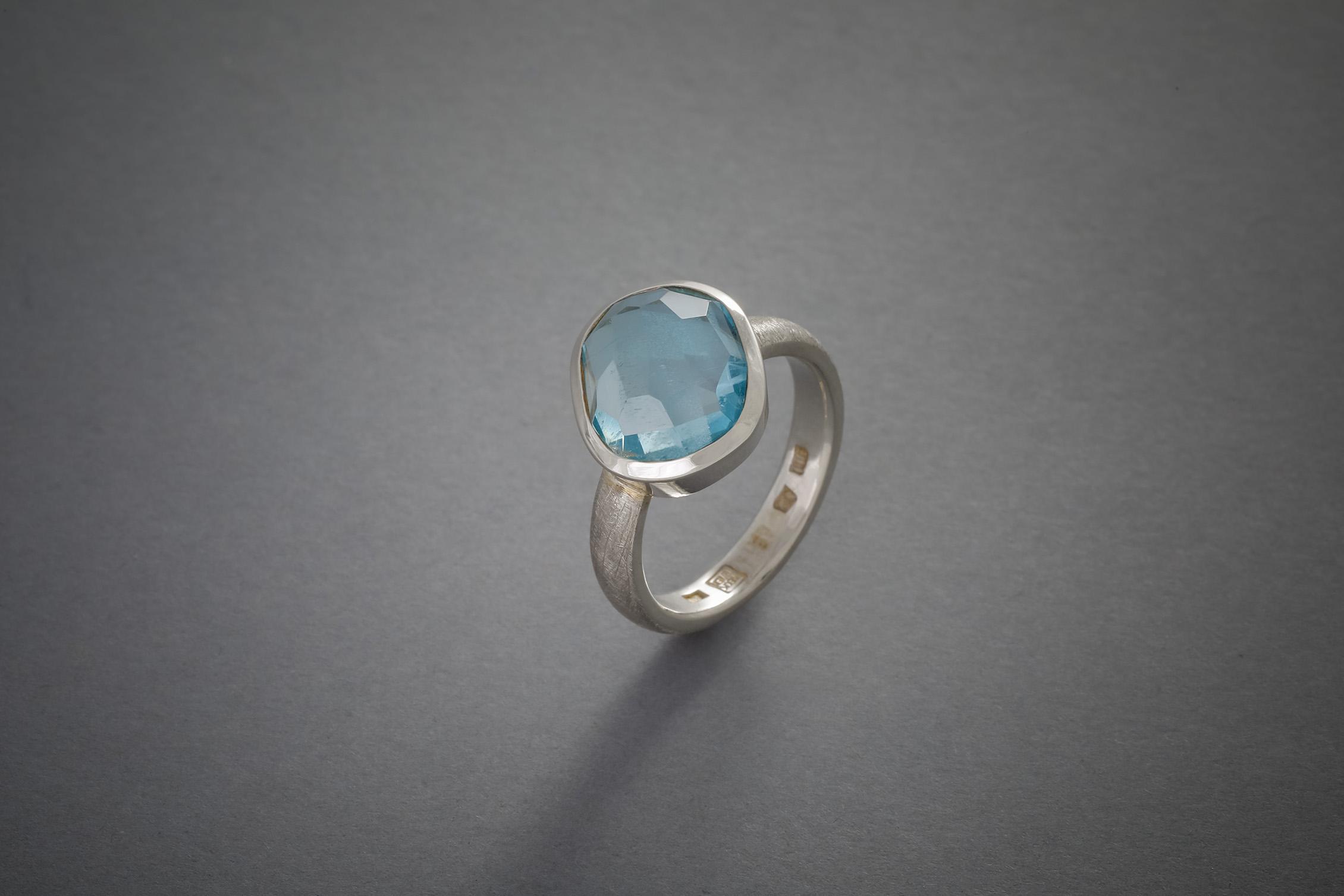 013 Silberring Aquamarin, Antikschliff, ab € 598,-