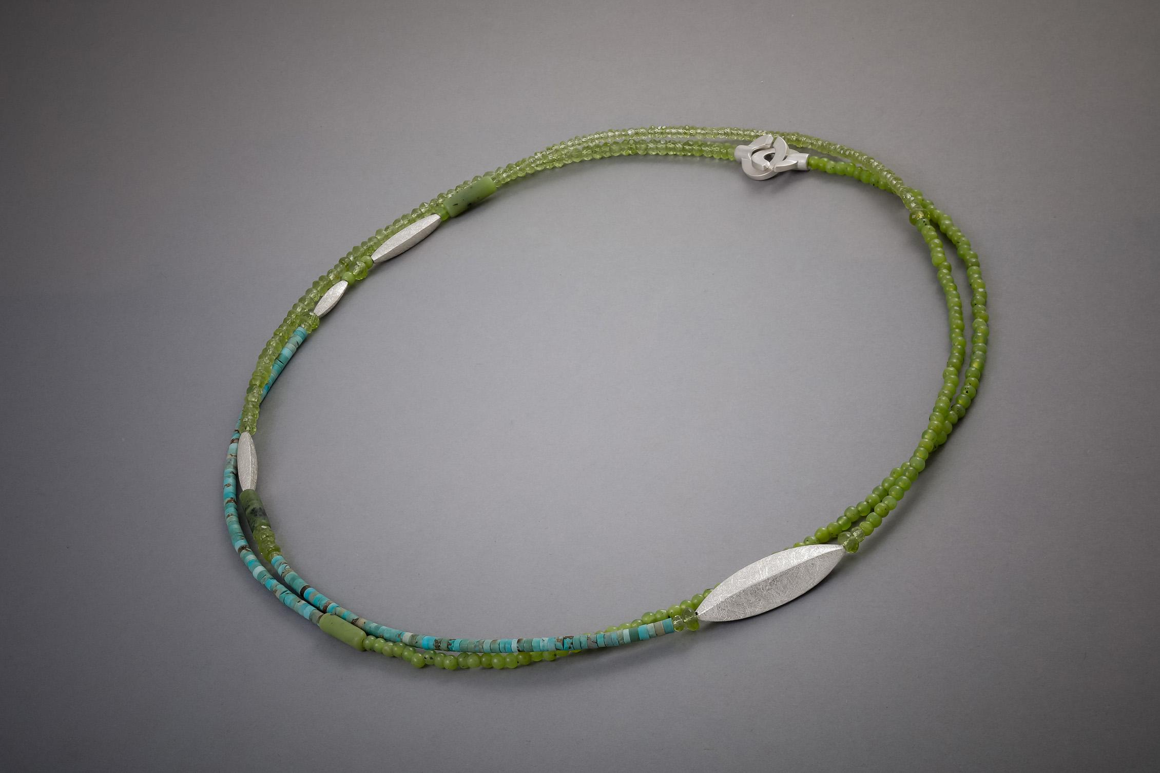 107 Steinkette, Jade, Türkis, Peridot, Silber, ab € 212,-